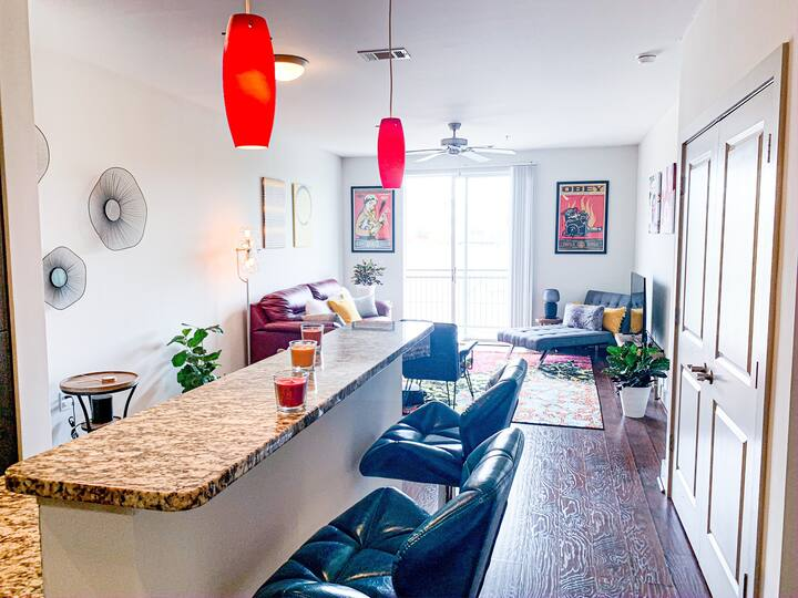 Bright | City View | Free Gated Parking | WiFi