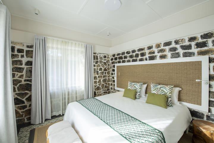 Parent bedroom in Family unit