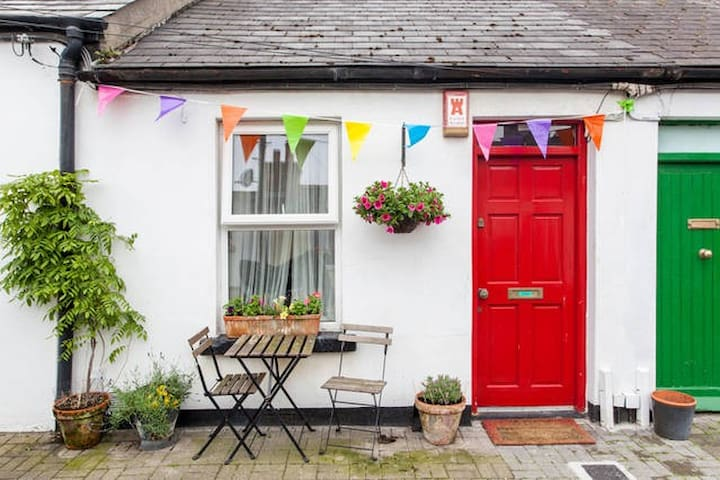 City Centre Artisan Cottage - Dublin - House