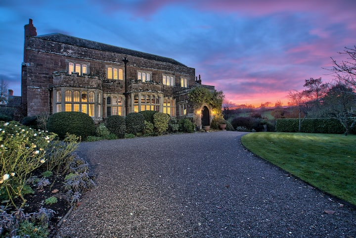 Sleeps 36+ Grand Manor House, Indoor Pool and Spa