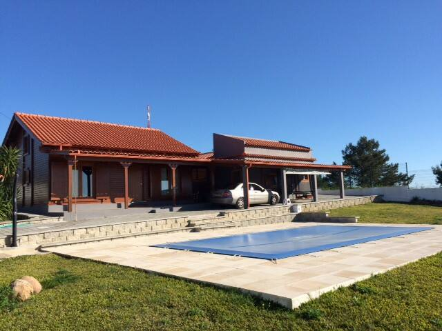Wood Cottage By the Sea, swimmingpool, since 2017 - Trafaria - Huis