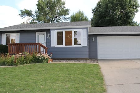 6217 W 58th St - Sioux Falls - Hus