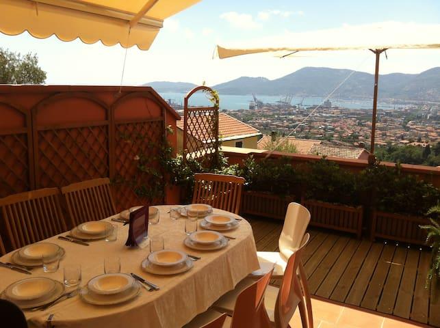 Vista Golfo dei Poeti Apartment - La Spezia - Apartament