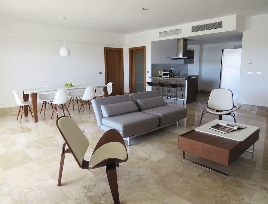 Sala de estar, comedor y cocina