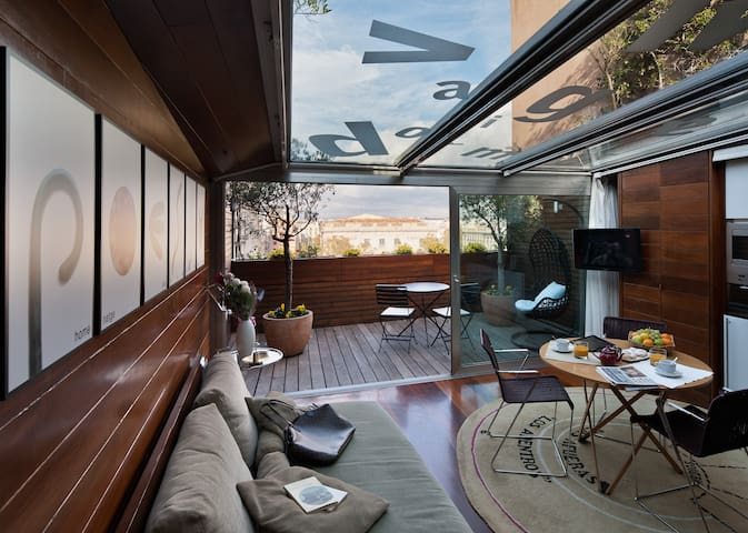 exclusive Penthouse Joan Brossa with glass roof