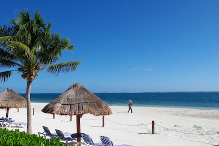 Apartment on the beach. - Puerto Morelos - Apartamento