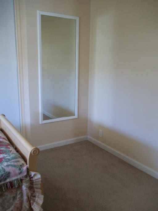 Big Full Length Mirror, Spacious Room