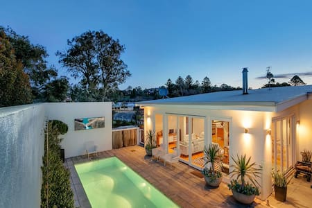 Barossa White House,The West Wing 2 Bedroom Suite - Angaston