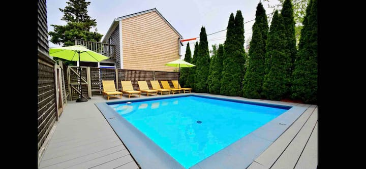 2 bed on Atlantic Ave near Boatslip: pool & prkg