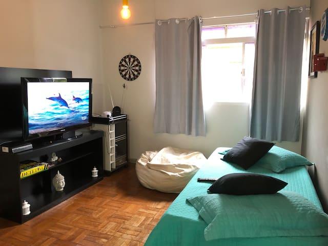 Sala de tv , com Sofa cama !