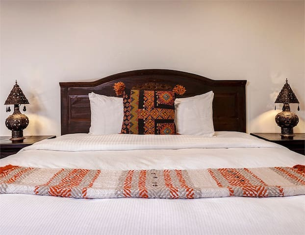 The Rossi | The Kasbah Hacienda - Palm Springs - Bed & Breakfast