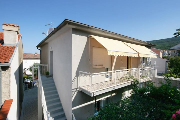 Studio flat with balcony Selce, Crikvenica (AS-5550-c)