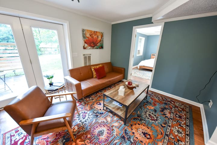 The Glory Glory Cottage—Guest Suite+Huge Yard