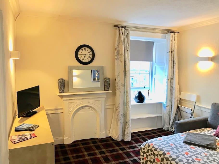 Lounge / 2nd Bedroom