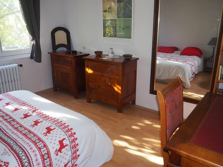 3 chambres, espace privé 85m² dans maison, jardin