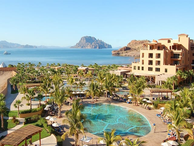 Jr Suite in Villa del Palmar Islands of Loreto