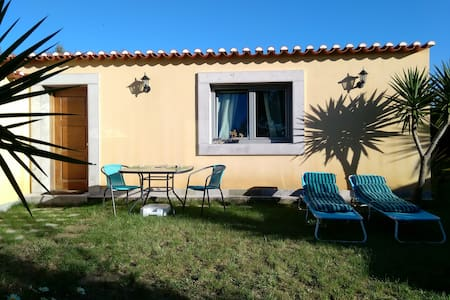 VILLA PALHA-GUINCHO- Private house, 900 m of beach - Cascaes