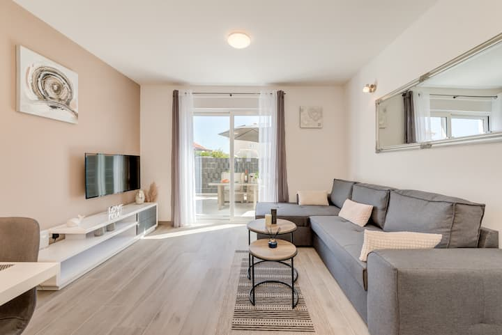 """""""La vie est belle""""  apartment in Trogir center 4*"""