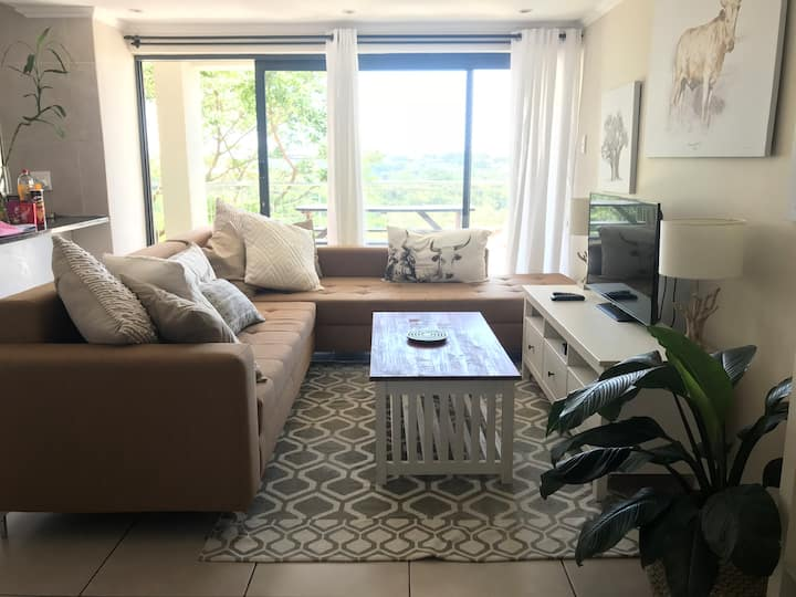 Spacious Simbithi apartment