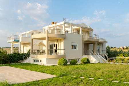 Alluring villa by the Aegean Sea - Nea Poteidaia - Vila