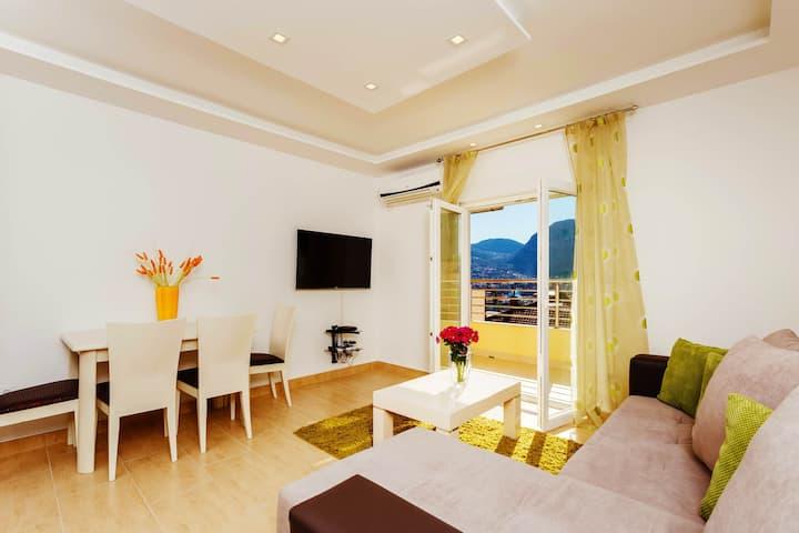 BlueSea-one bedroom ap.with SeaViewBalcony-Center!