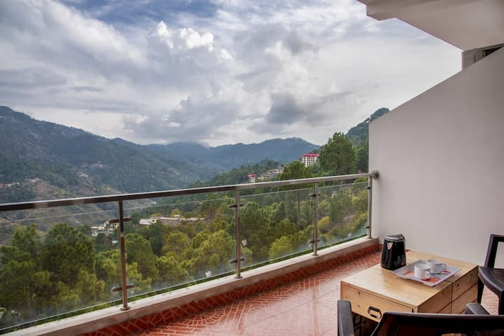 1 Bed Room | Nature View | Chef |Bonfire | Kasauli