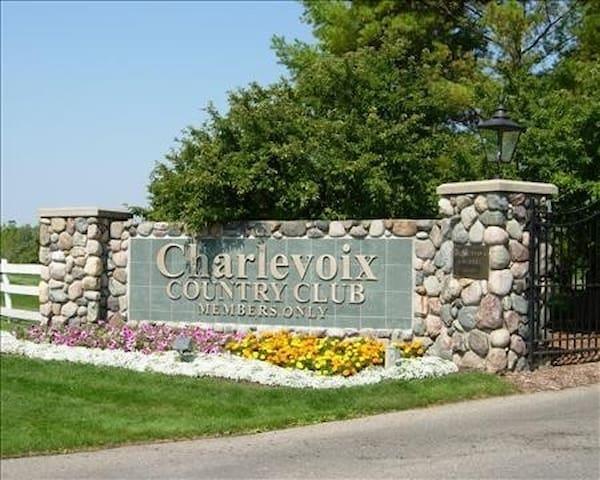 Charlevoix Country Club Condo, 2BR, 2BA - Charlevoix - Kondominium
