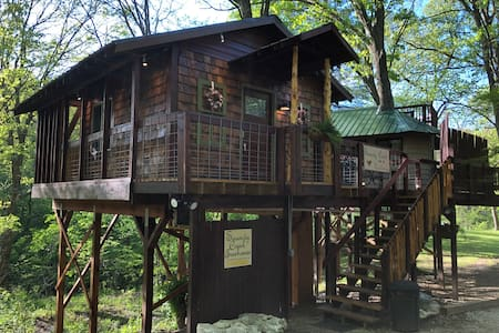 Serenity Creek Treehouse Hidden Valley Retreat