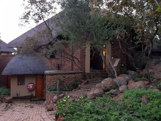 Gecko lodge and Cottage, Idwala, Mabalingwe