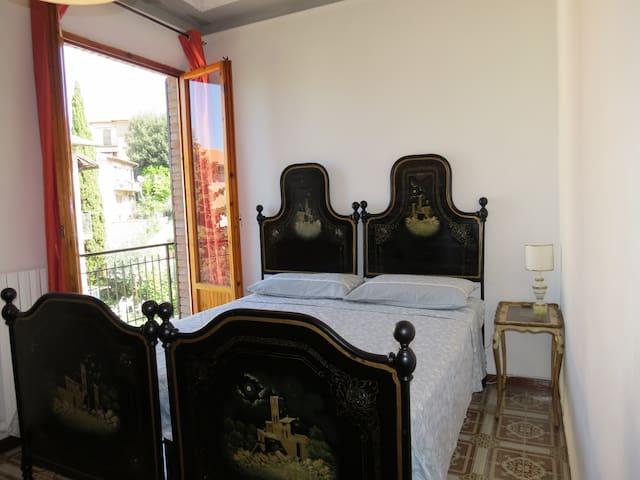 Seconda camera da letto. / Second bedroom.