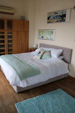 The Penthouse | Sparrow's Loft - Ipswich - Apartment