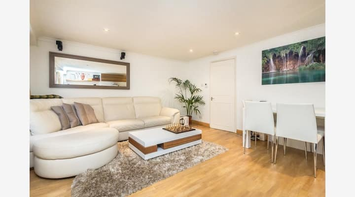 Luxury ensuite double room in Notting Hill