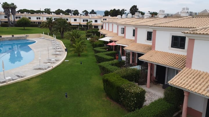 Lovely villa in Vila Bicuda Cascais resort