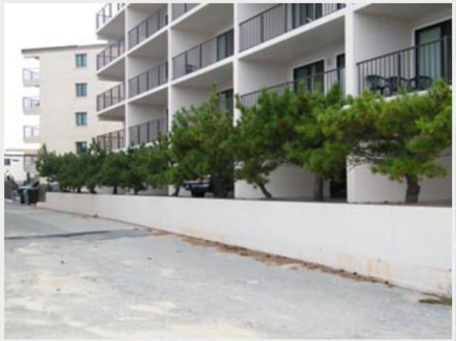 2 bedroom city condos condominiums for rent in