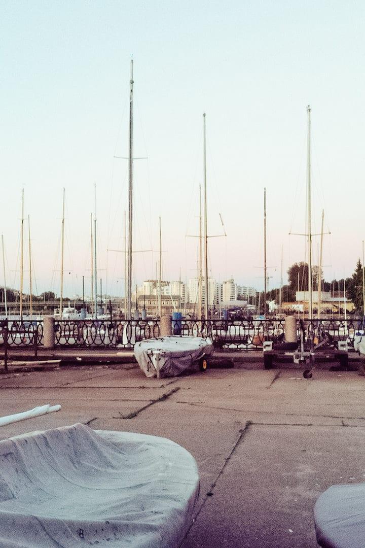 Яхт-клуб летом