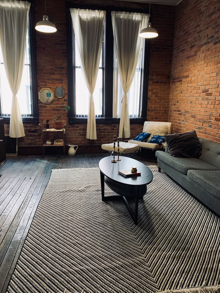 NYC Style Loft in Historic Seattle