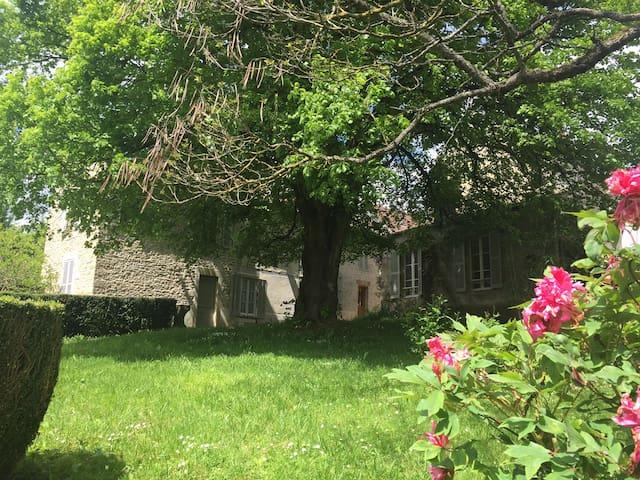 Maison de famille dans les Hautes Côtes + piscine - Villars-Fontaine
