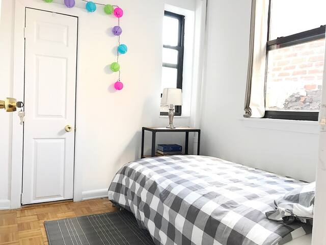 Cozy and GREAT Stay in the West Village heart ❤️