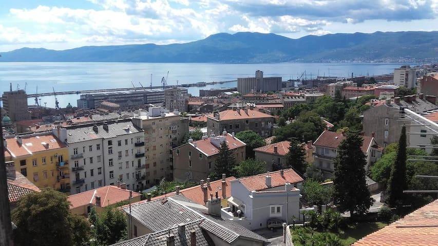 Amarena apartment, open sea view, free parking