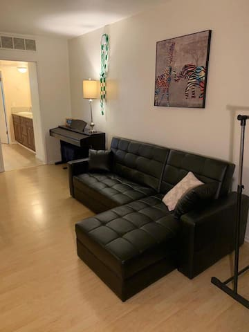 Apartment 1 bd /parking in Hollywood
