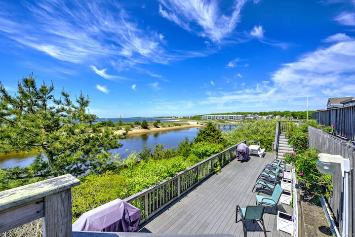 Stunning Views of Colonial Acres Beach-Oceanside