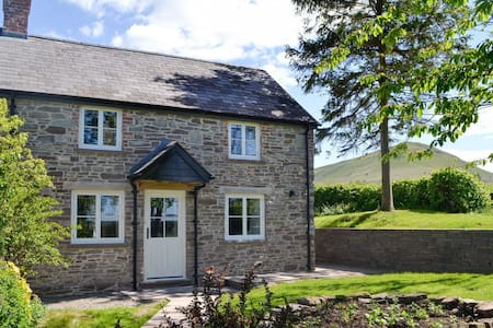 Pentwyn Cottage - UK11829 (UK11829)