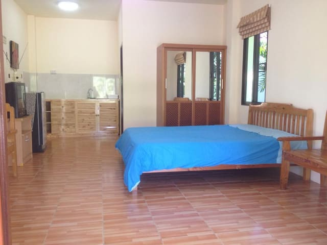 2Bed, Quiet, Yard, Parking, 1 of 5 - Tambon Chaiyasathan - House