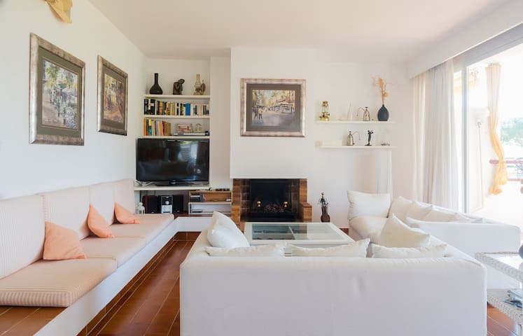 C.BRAVA Calella amazing Apt,gardens,swimming pl!!! - Calella de Palafrugell - Appartement en résidence