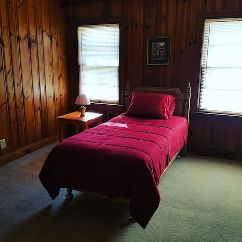Single bedroom(2) - Oxford NC