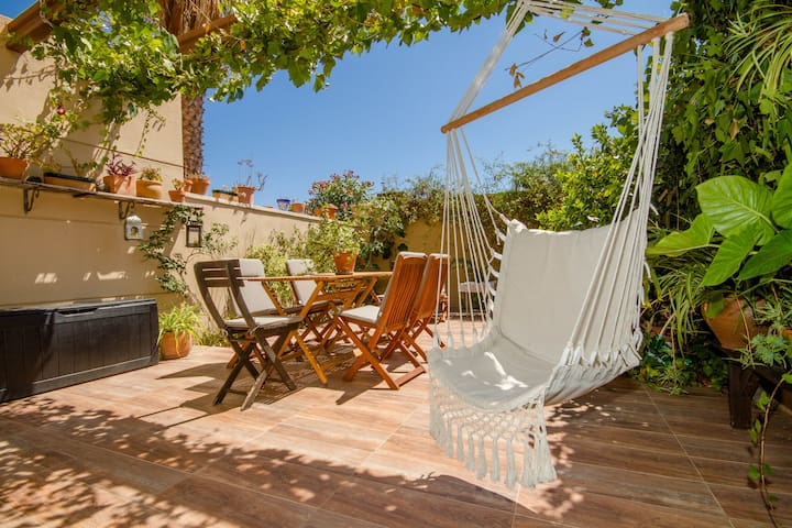 Unique home with garden in Torrevieja, La Mata
