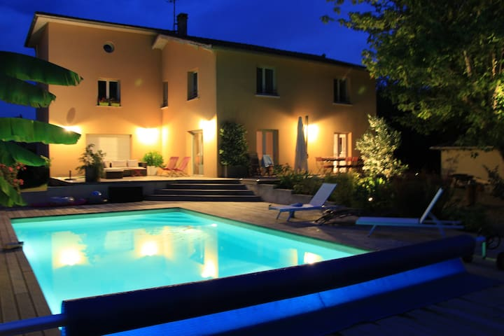 Large villa with AC and pool - Gradignan - House