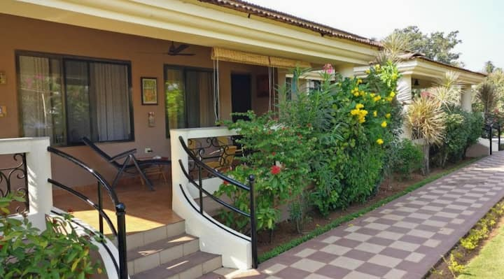 Cozy AC Furnished 2BHK villa with pool in candolim