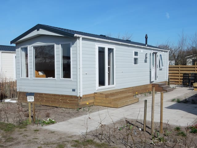 Near the North Sea Coast, Chalet 5-star-camping - Petten - Chalé