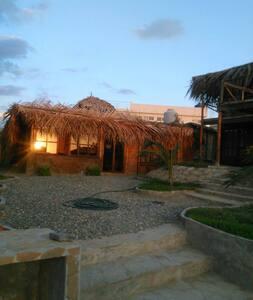 Hermosa casa en Punta Veleros - Casa
